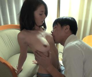 前田可奈子 清楚で美しいFカップの人妻が色んな体位で突かれまくり
