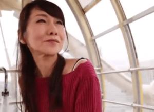 神谷秋妃 38歳には見えない激カワ奥さん!旦那以外の肉棒に静かに欲情するウブなFカップ巨乳妻が初撮り!