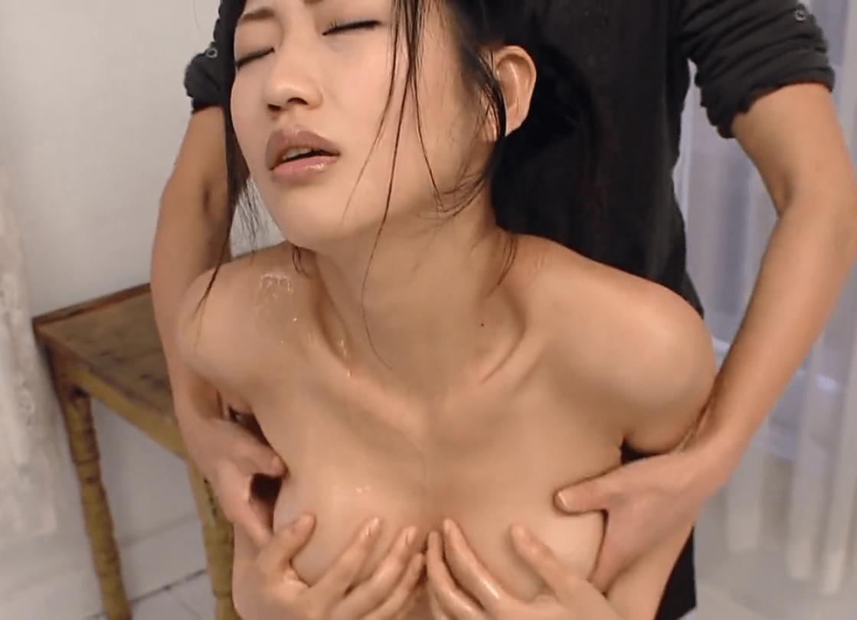 【芸能人】壇蜜 まさに悩殺ボディ、手ブラでおっぱいを揉まれて乳首ポロリ