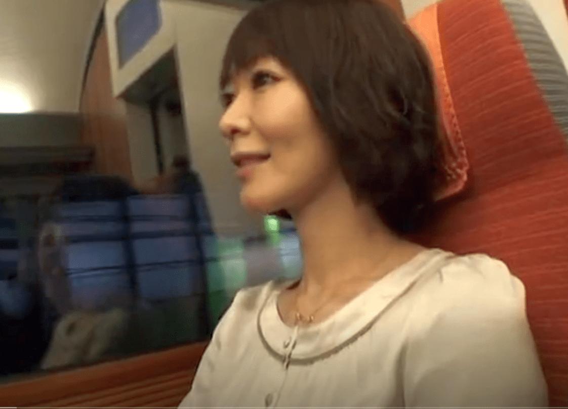 【人妻湯恋旅行】 不倫とは無縁そうな奥さんが伸びる乳首を責められ何度も絶頂
