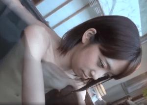 職場でマドンナ的存在の美人妻のセックス動画が流出!色白華奢ボディにド貧乳を揺らしヤラれまくる極秘映像!