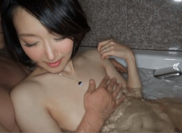 西田春菜 旦那の浮気で不倫、貧乳だけど色白で艶やかなおっぱいの人妻