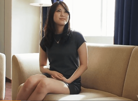 藤井明歩 暴力夫に耐える夫婦生活、白い柔肌をさらけ出し甘えて来る健気な人妻