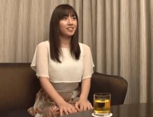香山美桜 年上好きのFカップ巨乳妻が健気で可愛すぎ!20歳以上も歳が離れた恋愛経験無しのおっさんと濃厚セックス!