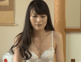 白石美子 緊張しながらも綺麗な貧乳奥様が初撮りで見せるド淫乱セックス