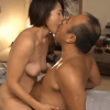 友田真希 乳首デカの人妻が上司と不倫!巨乳を揺らしながら自ら腰を振り肉棒を挿入する姿がエロ過ぎ