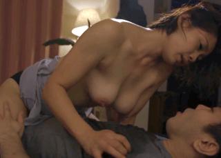 友田真希 「あなたは娘の旦那なのよ!」義理の息子に欲情されてそのままセックスしてしまう乳首長めの巨乳義母