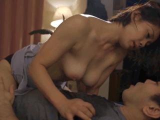 「あなたは娘の旦那なのよ!」義理の息子に欲情されてそのままセックスしてしまう乳首長めの巨乳義母