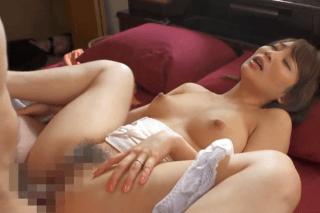倉多まお 清楚な美人若妻が旦那の目の前で性奴隷とされてしまう。尖った円錐形乳房がいやらしく揺れる人妻!