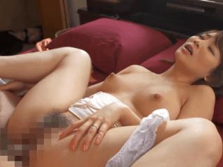 清楚な美人若妻が旦那の目の前で性奴隷とされてしまう。尖った円錐形乳房がいやらしく揺れる人妻!