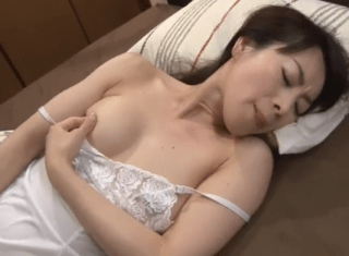 篠宮千明 綺麗な義母がオナニーしているところを息子に見られそのままセックス
