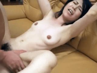 【人妻ナンパ】40代の弛んだ胸とデカ目の乳首!欲求不満でオナニーばかりしている主婦が生肉棒に悶え絶叫!