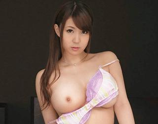 橘優花 美巨乳の若妻が汗と愛液まみれのランジェリーを着ていつもとは違う興奮セックス!