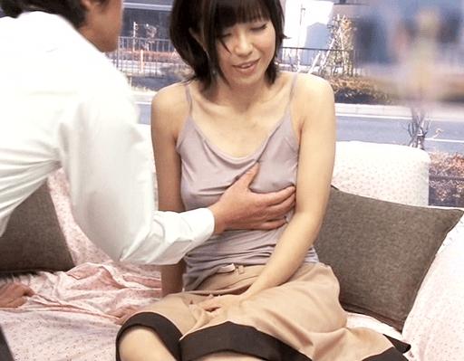 【マジックミラー号】恥ずかしさMAX!家族以外に母乳を晒してしまう!超敏感ボディは他人棒を欲し絶頂セックス!
