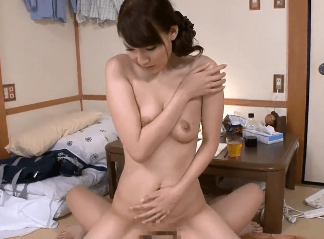 木山薫 垂れ気味おっぱいが良い感じの熟女!息子へのイジメを止めるために熟れた体を曝け出す!