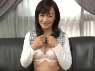 【初脱ぎ】笹川蓉子 気品ある顔立ちの46歳奥様!恥ずかしながら見事なボディを晒し念願の濃厚セックス!