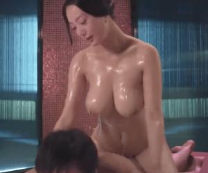 『日曜ドラマ・今日から俺は!!』の女主人公の理子役が映画で貧乳を晒していた!ブラジャーの下からピンク色の乳首が!