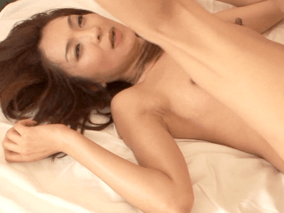 妖艶熟女はスレンダーでデカ乳首!女子力高めの熟女はセックスも超過激で最後は口内射精!