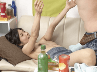 【人妻ナンパ】性欲強すぎ!イマドキ人妻の衝撃的リアル生態!太い乳首を勃起させて興奮しまくりの熟女!