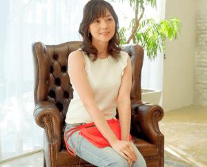 篠原由香子 清楚な専業主婦がレイプのような激しすぎるセックスで理性崩壊!白い美肌を紅潮させ何度も激イキ!