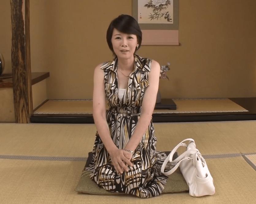 竹内梨恵 10年ぶりのエッチに緊張するアラフィフの巨乳妻!夫には見せたことのない醜態を晒す!