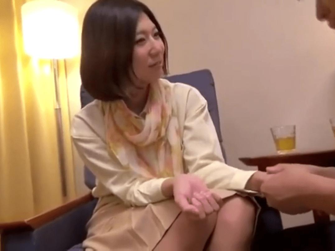 【人妻ナンパ】入れて欲しくて堪らない!無垢で優しさ溢れるママさんが久しぶりのセックスで大興奮!