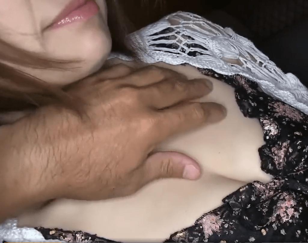 色白美肌の超絶Iカップ熟女(50)!性感帯の長乳首を責められ恥じらいながらも感じまくり!