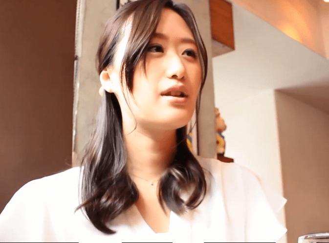 吉田楓 こんなに可愛い人妻が驚くほどに豹変!子育てに追われる2児のママが妊娠線を晒して初めての浮気セックス!