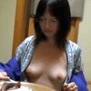 【不倫旅行】色白で凄くエロい体の奥さん!性欲が強く何処でもパコパコしちゃう!