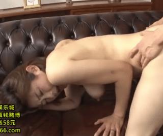 友田真希 久々のSEXにキスしただけでもうヌレヌレMAX!旦那以外とのセックスに目覚めた四十路巨乳妻!