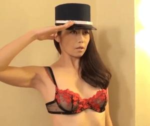 瞳リョウ リピーター多数の射精し放題ホテル!最高クラスの熟女が究極の性サービス!