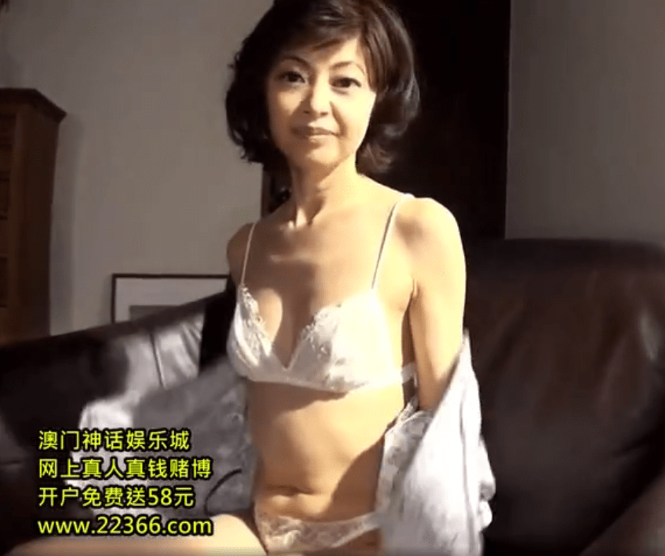 もちづきる美 細身な美熟女好き必見!AV女優へ転身し初めてのセックスが初々しくてエロ過ぎ!