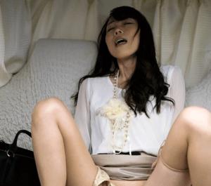 中森玲子 レオタード姿の巨乳熟女(三十路)が顔面騎乗で男をイカせるフェチ動画!