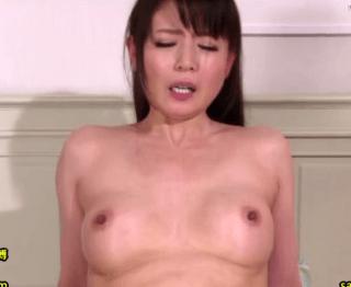 三浦恵理子 昔から憧れだった叔母さんと初体験!こんなに綺麗な叔母さんが囁きセックスで喘ぎまくり!