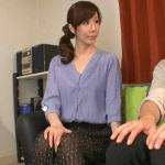 澤村レイコ おばさんの滲み出る色気に一瞬で悩殺!欲求不満のおばさんが性教育という名目で甥っ子とセックス!