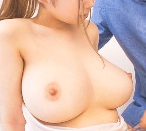 宝田もなみ ブラを外した瞬間Iカップの美巨乳が出現!いやらしいおっぱいで夫の部下を誘惑する人妻!