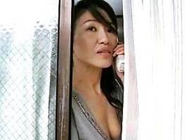 【ヘンリー塚本】向かいのセフレと浮気交尾に興じる不貞妻 加賀雅