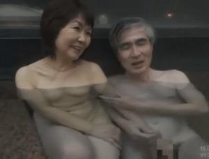 七海ひさ代 元教え子が好きだった女教師と温泉旅行で壮絶な不倫SEXを体験する