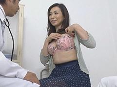 松下美香 スレンダーボディの貧乳熟女(五十路)が元夫から強引にハメられる!