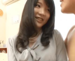経験人数2人の四十路には見えない可愛すぎる貧乳熟女!大学のミスコンで優勝したことのあるハイスペック熟女が衝撃のAVデビュー!