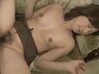 45歳の貞淑妻が夫の懇願で他人と無理やりセックスさせられちゃう!嫌がりながらも人生初の絶頂を迎えちゃう美熟女!