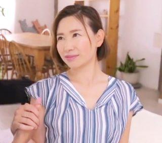 上品すぎる台湾出身の37歳人妻が細身な美ボディを晒しAVデビュー!貪欲に快楽を求めるいやらしい腰使いがエロ過ぎ!