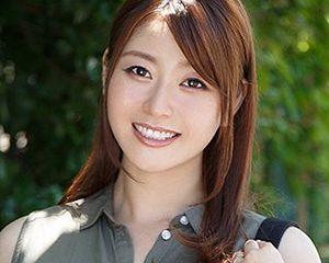【無修正初流出】綺麗すぎる人妻女優の「葵百合香」のマ〇コが丸見えに!長身・スレンダー・巨乳という魅惑の3コンボ!